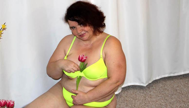 Livesex Chat mit einer alten Frau vor der Sex Cam